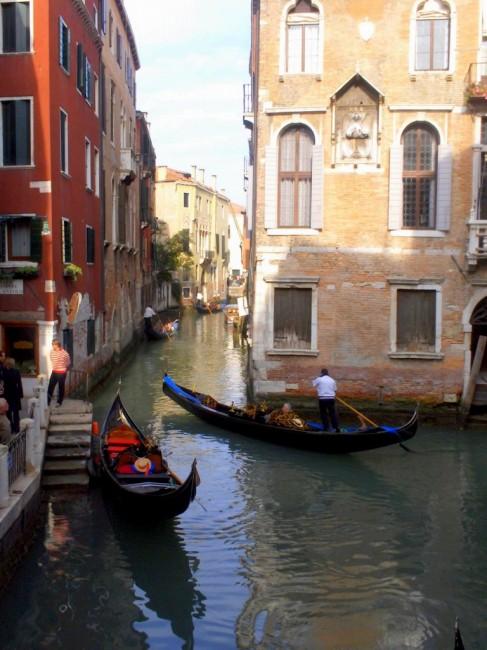 Zdjęcia: Wenecja, Wenecja Euganejska, Między kamienicami, WłOCHY