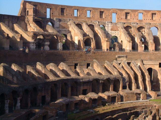 Zdjęcia: Rzym, Rzym, Rzym - trybuny Koloseum, WłOCHY