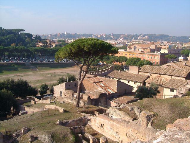Zdj�cia: Rzym, Rzym, Rzym - widok z Palatynu na cyrk Maximusa, W�OCHY