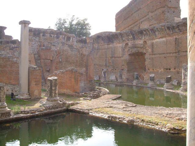 Zdjęcia: Tivoli, Rzym, Tivoli - willa Adriana teatr morski, WłOCHY