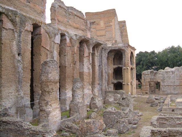 Zdj�cia: Tivoli, Rzym, Tivoli - zabudowania willi Adriana, W�OCHY
