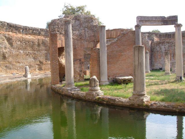 Zdjęcia: Tivoli, Rzym, Tivoli  Teatr morski w willi Adriana, WłOCHY
