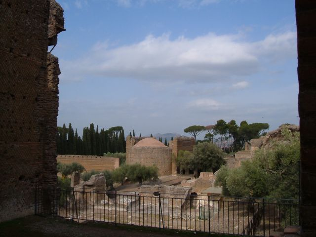 Zdj�cia: Tivoli, Rzym, willa Adriana w Tivoli - ogrody, W�OCHY