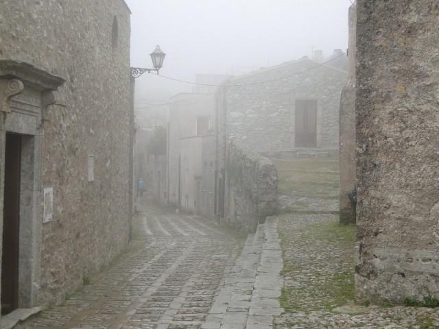 Zdjęcia: Erice., Sycylia, Z podróży po Sycylii - ericejskie mgły (1), WłOCHY