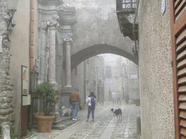 Zdjęcia: Erice., Sycylia, Z podróży po Sycylii - ericejskie mgły (4), WłOCHY