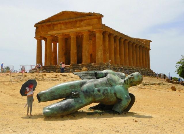 Zdjęcia: Agrigento, Sycylia, Czasem ktoś przystanie zdziwiony... ;), WłOCHY