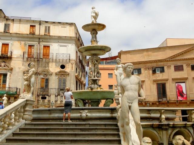 Zdjęcia: Palermo, Sycylia, Klimaty Palermo - Fontana Pretoria (1), WłOCHY