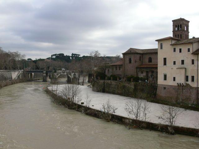 Zdjęcia: ROMA, ISOLA TIBERINA, WłOCHY
