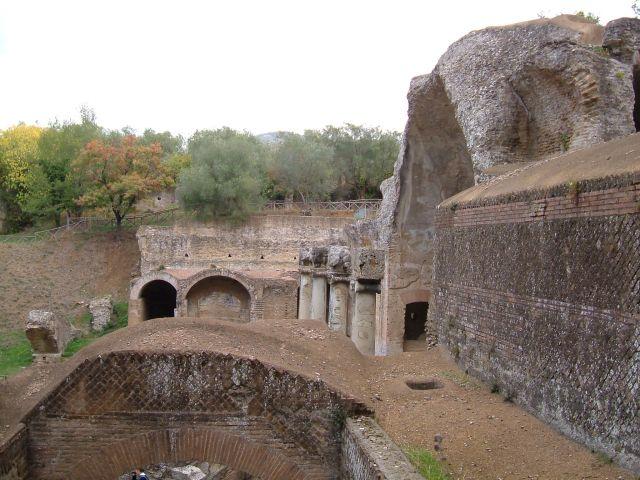 Zdj�cia: Tivoli, okolice Rzymu, w willi Adriana , W�OCHY
