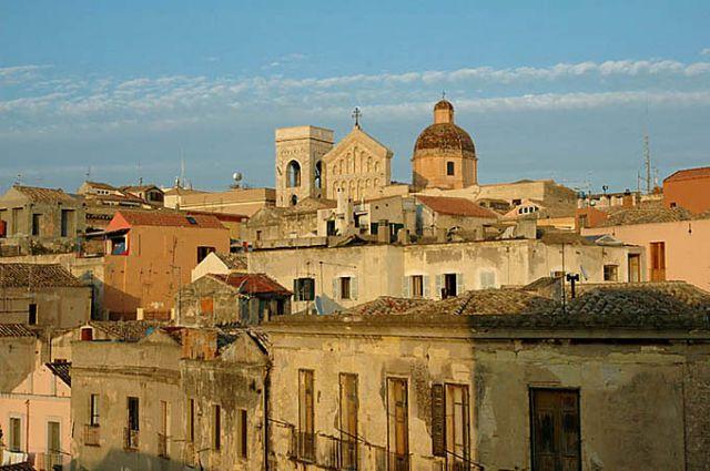 Zdjęcia: Sardynia, Cagliari, Sardynia, Cagliari, panorama Castello -starego miasta w stolicy Sardynii, WłOCHY