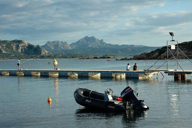 Zdjęcia: Costa Smeralda, Sardynia, zatoczka o poranku:), WłOCHY