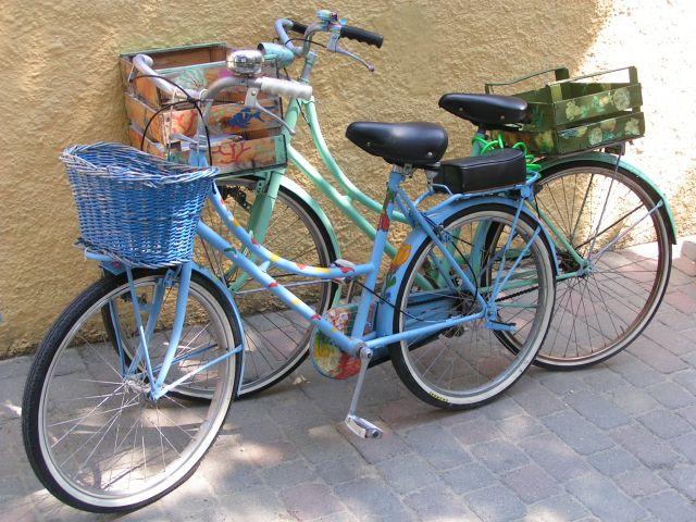 Zdjęcia: Elba, nawet rowery sa kolorowe :), WłOCHY
