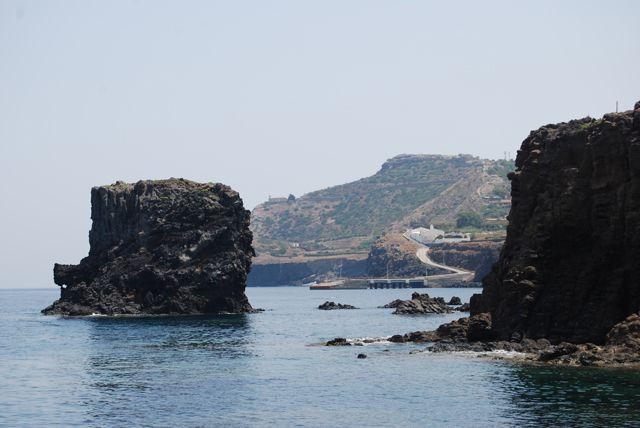 Zdjęcia: USTICA, SYCYLIA, Powulkaniczny krajobraz wyspy, WłOCHY