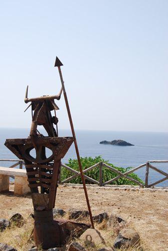 Zdjęcia: USTICA, SYCYLIA, Na straży wyspy..., WłOCHY