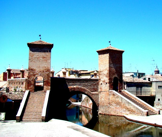 Zdjęcia: Comacchio, Emilia Romana, Brama Wodna, WłOCHY