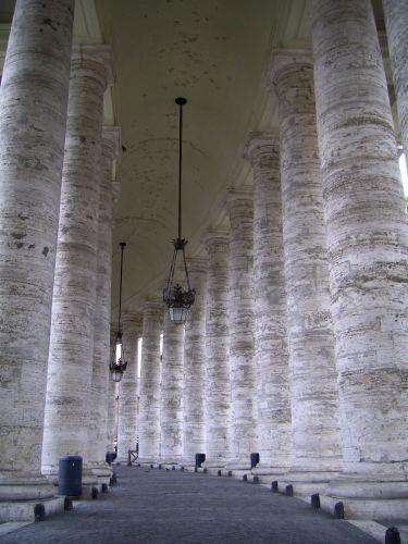 Zdjęcia: Watykan, Lazio, Kolumnada wokół Bazyliki św. Piotra, WłOCHY