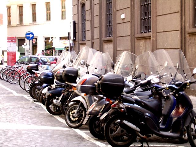 Zdjęcia: Rzym, Lazio, Rowr czy motor ???, WłOCHY