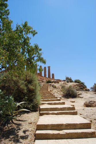 Zdjęcia: AGRIGENTO, SYCYLIA, Schody do świątyni Hery, WłOCHY