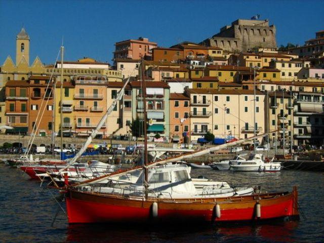 Zdjęcia: porto San Stefano, Toskania, portowa kakofonia barw , WłOCHY