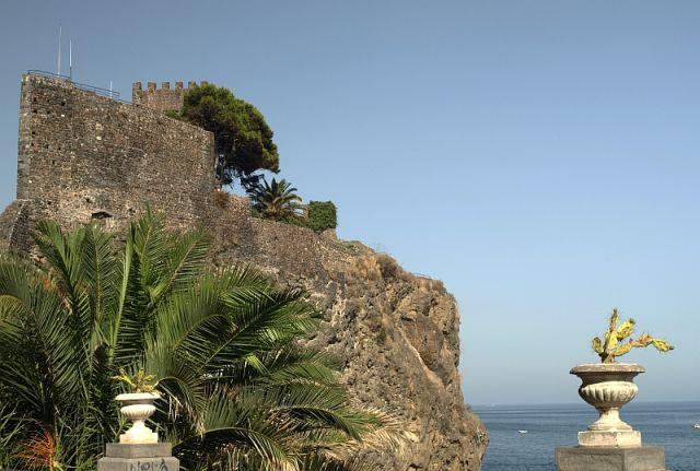 Zdjęcia: Sycylia, zamek w Aci castello, WłOCHY