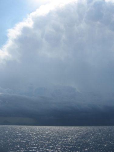 Zdjęcia: Przeprawa promowa Livorno-Bastia, Chmury, WłOCHY