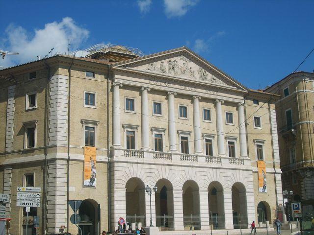 Zdjęcia: Ancona, wybrzeże Adriatyku, teatr, WłOCHY