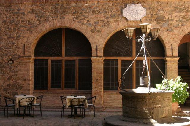 Zdjęcia: Montalcino, W środku..., WłOCHY