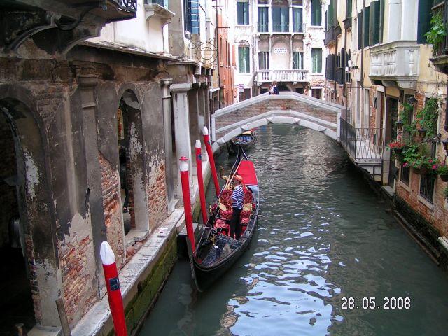 Zdjęcia: Wenecja, Włochy, Wenecka tradycja... kanałowa, WłOCHY