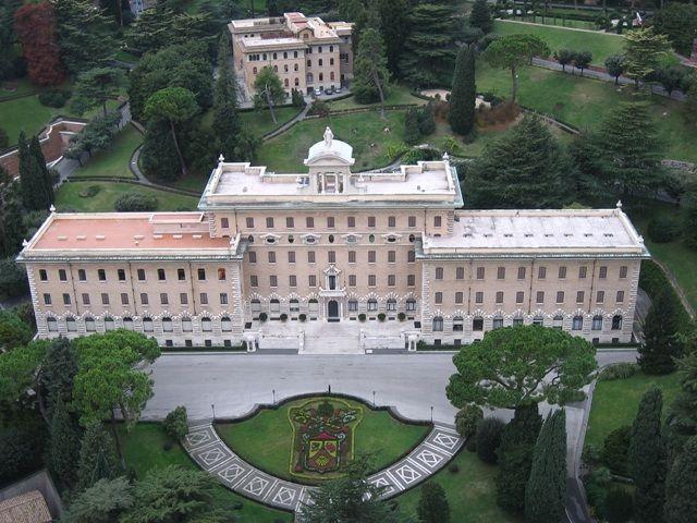 Zdjęcia: Watykan plac św.Piotra, Rzym, kolory Ogrodów Watykańskich, WłOCHY