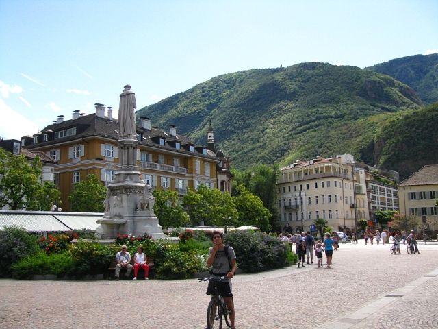 Zdjęcia: Bolzano, ., Plac, WłOCHY