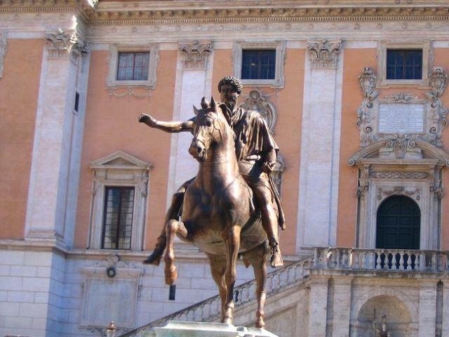 Zdjęcia: Rzym - Kapitol, Lacjum, Posag Marka Aureliusza , WłOCHY