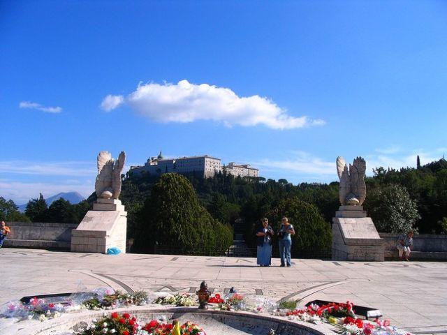 Zdjęcia: Wzgórze monte Cassino - klasztor benedyktynów, Apeniny Środkowe, Klasztor na Monte Cassino, WłOCHY