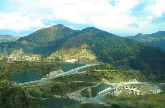 Zdjęcia: Góry Pindos, Góry Pindos, Grecja - autostrady przez góry, GRECJA