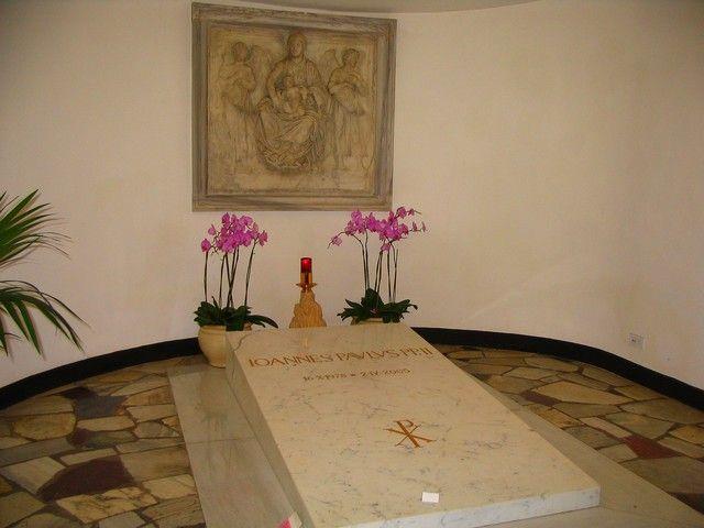 Zdjęcia: Rzym - Watykan, Lacjum, Grób Jana Pawła II w Watykanie, WłOCHY