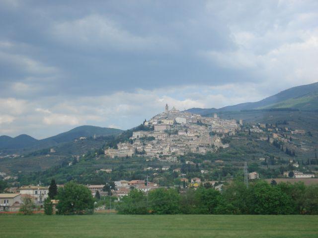 Zdjęcia: gdzieś po drodze, Włochy, Z autobusu, WłOCHY