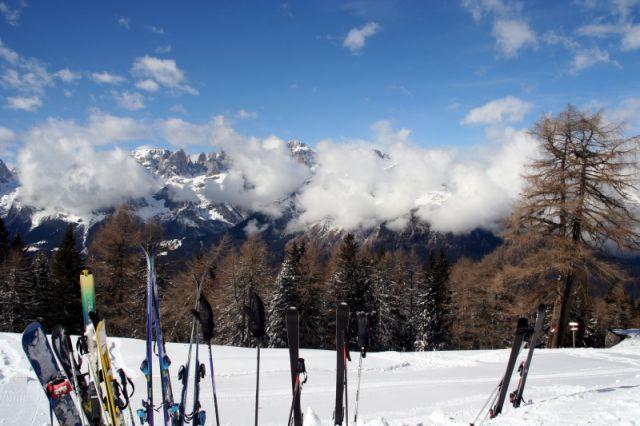 Zdj�cia: Paganella, Val di Sole, widok przez narty, W�OCHY