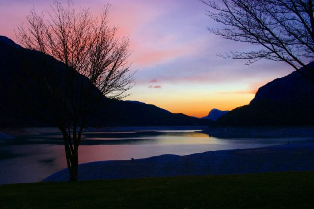 Zdjęcia: Paganella, Val di Sole, zachód słońca nad jeziorem..., WłOCHY