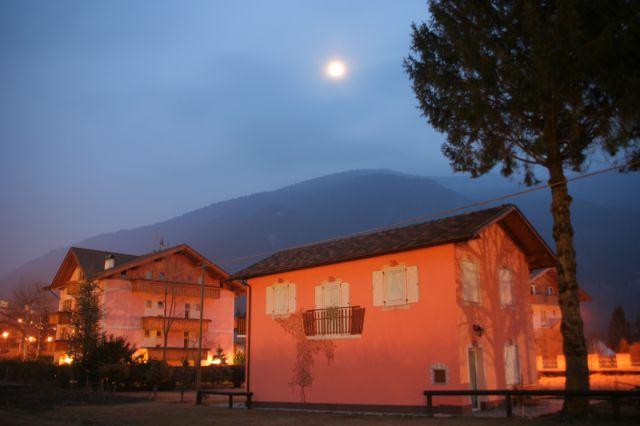 Zdjęcia: Paganella, Val di Sole, ksiezyc nad.., WłOCHY
