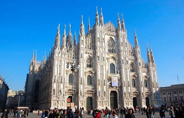 Zdjęcia: Mediolan, Katedra Mediolańska w pełnej okazałości, WłOCHY