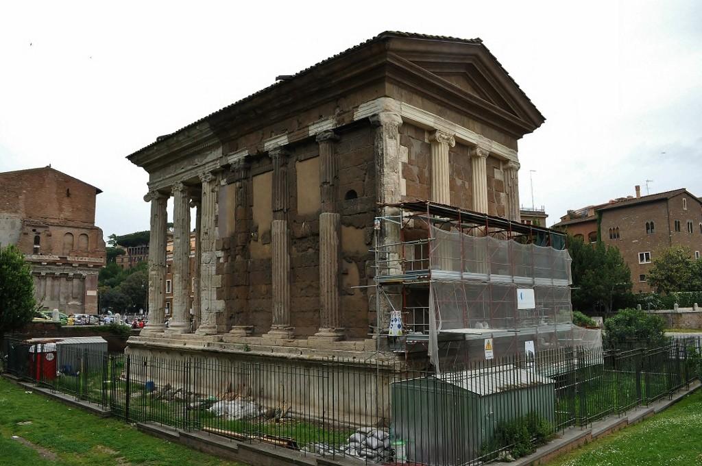 Zdjęcia: Rzym, Lazio, Piazza della Bocca della Verita-Rzym, WłOCHY