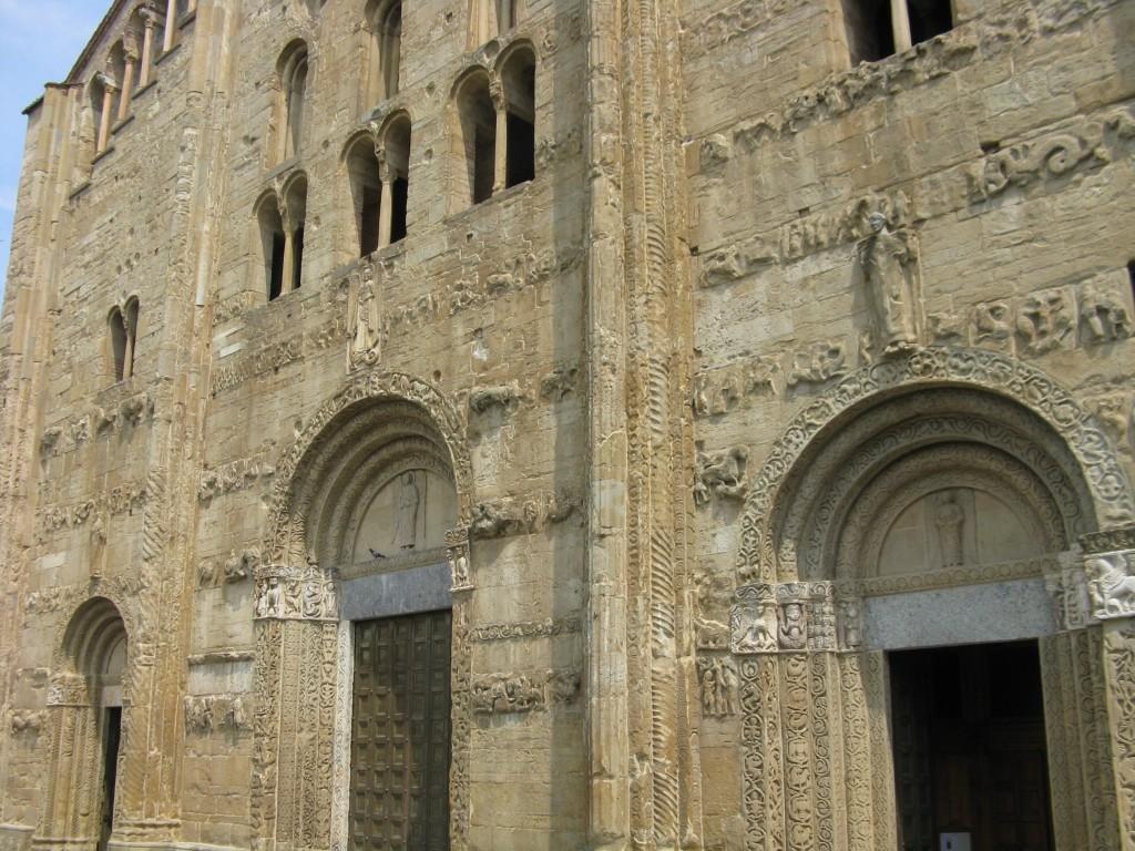 Zdjęcia: Pawia, Kościół romański 1, WłOCHY