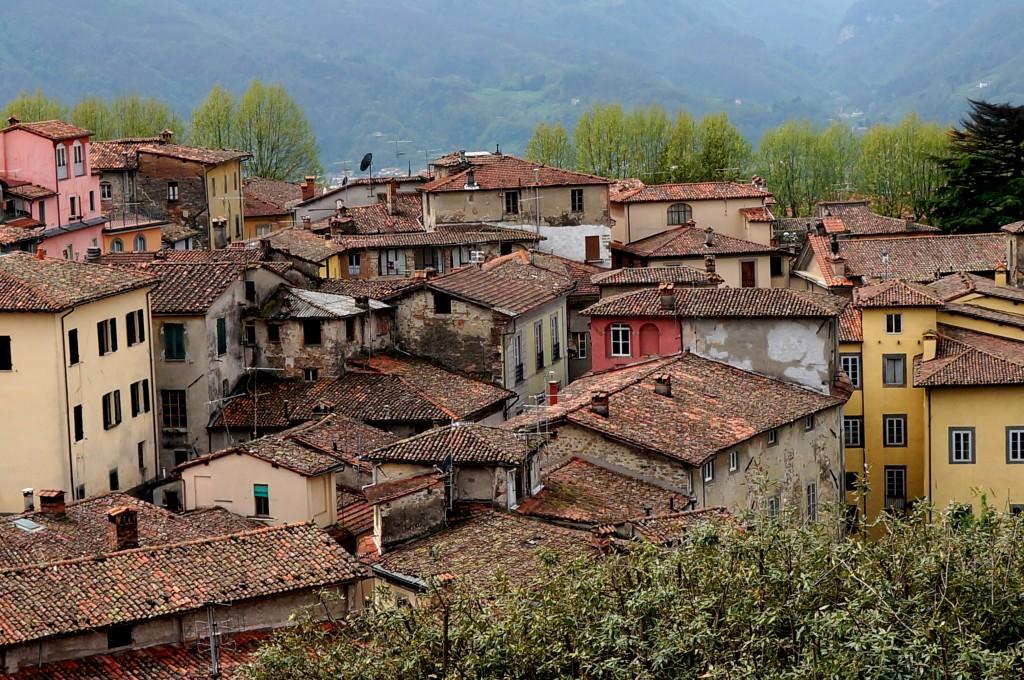 Zdjęcia: Barga, Toskania, Dachy, WłOCHY