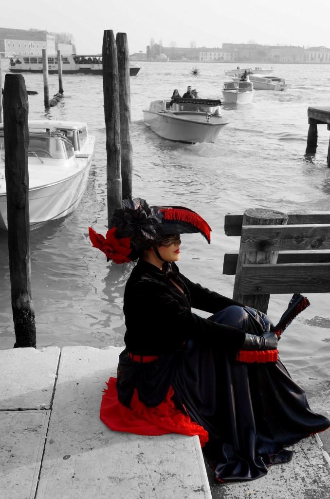 Zdjęcia: Wenecja, płn  Włochy, W oczekiwaniu na gondolę ..., WłOCHY