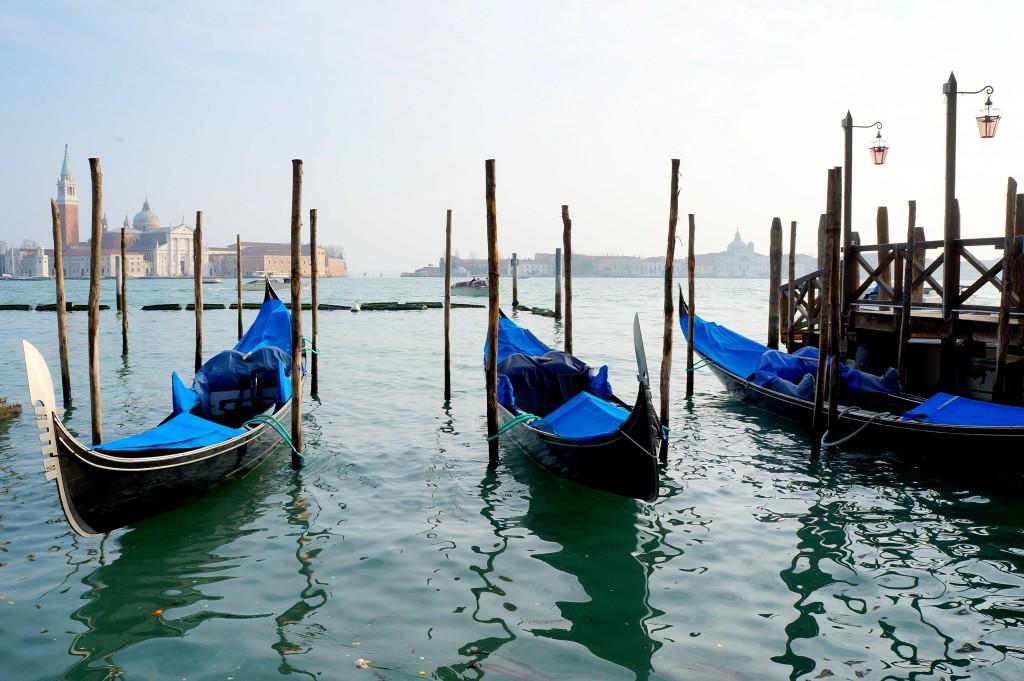 Zdjęcia: Wenecja, płn Włochy, Gondole, WłOCHY