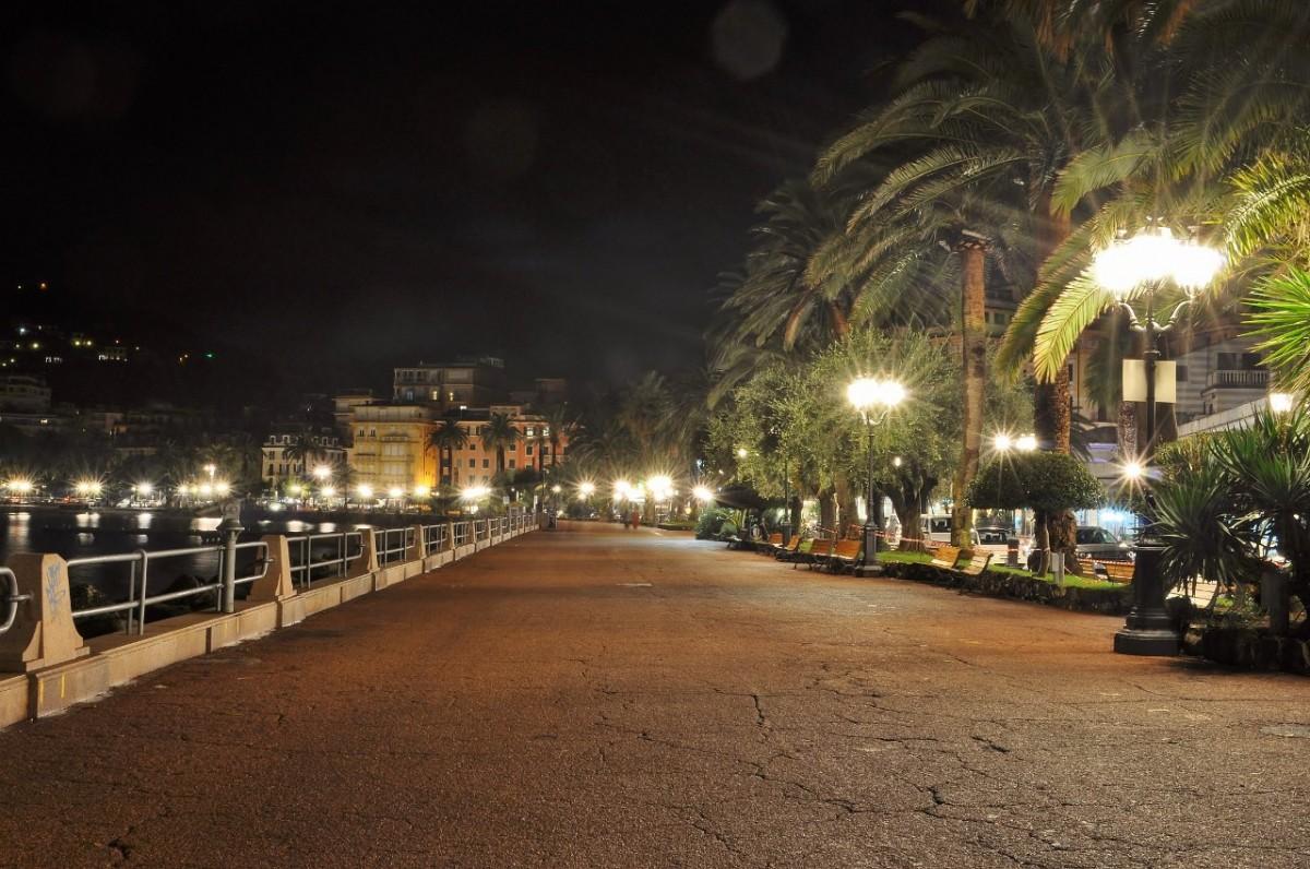 Zdjęcia: Rapallo, Liguria, Rapallo nocą, WłOCHY