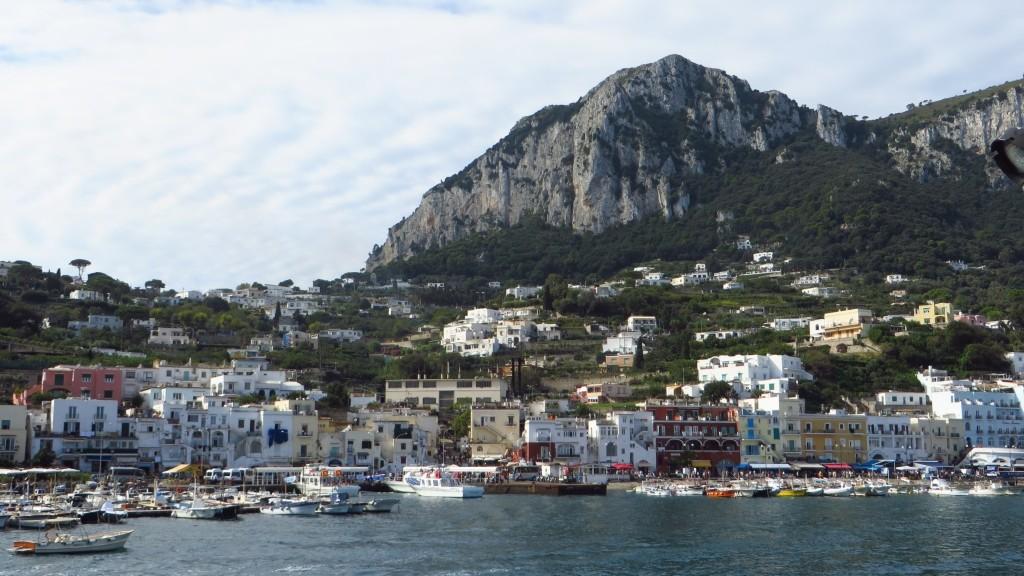 Zdjęcia: Capri, Kampania, wyspa od strony morza, WłOCHY