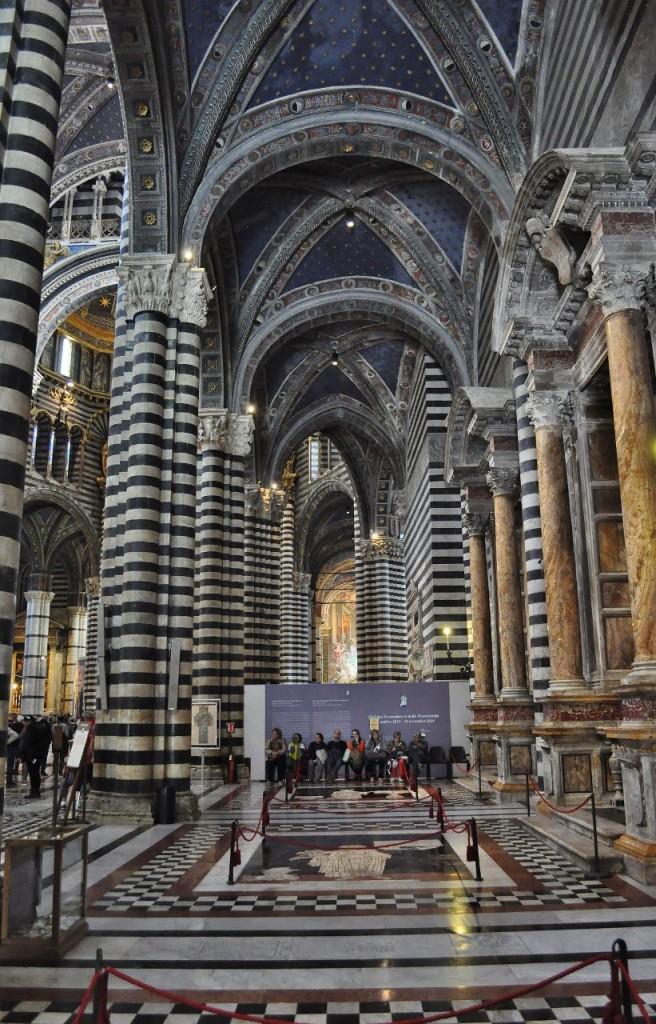 Zdjęcia: Siena, Toskania, Siena, katedra, boczna nawa, WłOCHY
