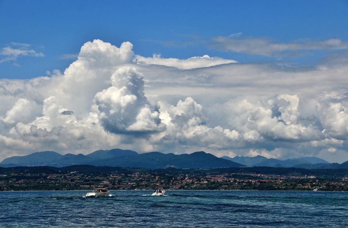 Zdjęcia: Jezioro Como, Lombardia, Chmury nad Como, WłOCHY