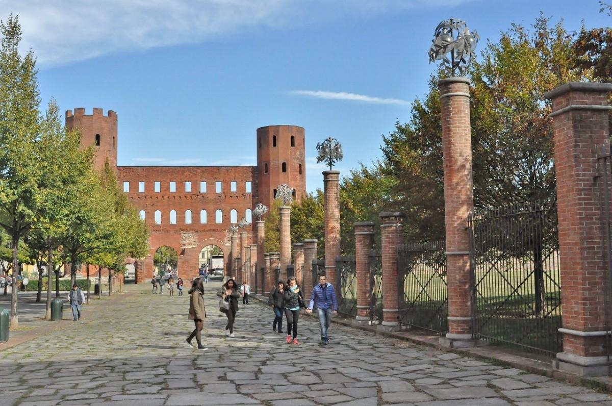 Zdjęcia: Turyn, Piemont, Turyn, brama rzymska, WłOCHY