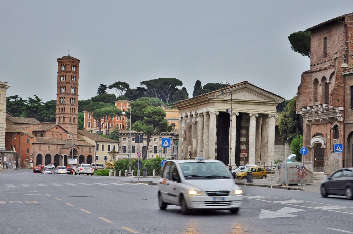 Zdjęcia: Rzym, Lazio, Rzym, Piazza della Bocca, WłOCHY